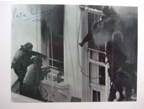 Personally signed (and original) signature on this 8x6 print which depicts the SAS soldier known as Soldier I who survived the Battle of Mirbat, was an Iranian Embassy Siege Assaulter and parachuted into the seas off the Falklands during that Conflict with the Argentinians. Plus signed by the famous SAS soldier Pete Scholey who was part of the Iranian Embassy SAS Team.