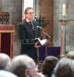 actor David Thewlis, pays tributes to Bruce Reynolds  inside the church  at   Bruce Reynolds the Great Train Robbery masterminds funeral, London, UK